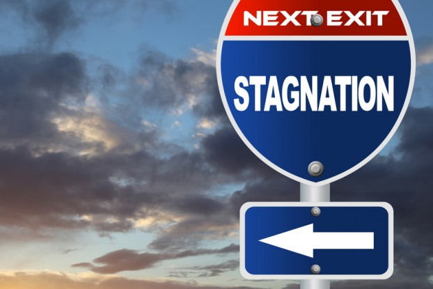 Stagnation road sign